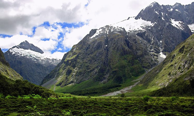 8 Days Mount Rwenzori Hiking Safari